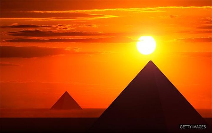 3700年前的金字塔